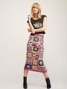 New Crochet Granny Square Skirt Pattern Etsy Ideas Skirt Pattern Free, Crochet Skirt Pattern, Crochet Square Patterns, Crochet Squares, Crochet Ideas, Crochet Skirt Outfit, Crochet Skirts, Crochet Clothes, Hippie Rock