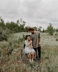 Wheelchair couples photography by Maddie Jeppson Couple Photography Poses, Couple Portraits, Photography Women, Photography Tips, Couple Pictures, Senior Pictures, Wheelchair Wedding, Wheelchair Photography, Love Magazine
