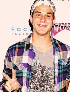 Skylar Astin -- THAT smile Good People, Pretty People, Amazing People, Teen Choice Awards Winners, Beautiful Men, Beautiful People, Miles Teller, Skylar Astin, Aiden Turner
