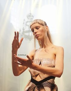 Mr Coolpool: Iris Van Herpen Haute Couture