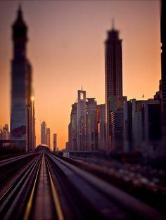 Dubai metro (by miemo)