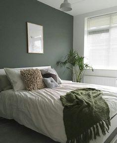 45 Most Popular Green Bedroom Design Ideas - Living & Home - Schlafzimmer Green Bedroom Design, Bedroom Green, Green Rooms, Home Bedroom, Bedroom Furniture, Green Bedroom Curtains, Small Bedroom Paint Colors, Bedroom Inspo, Calm Bedroom