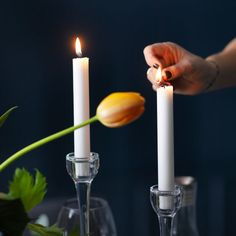 All that remains is to perfect your table setting with some music, some drinks at the ready and light some candles.