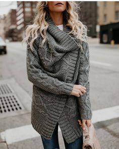 571 отметок «Нравится», 13 комментариев — #НадеждаКо #madeinKirov (@nadezhdako.fashion) в Instagram: «Согревайте себя эксклюзивными моделями одежды от нашей студии ручного вязания #НадеждаКо . .По…»