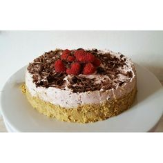 veg-cheesecake ai lamponi  by Peekaboo Vegan Bakery