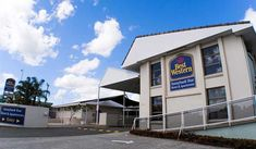 Stay at this eco-friendly Brisbane motel and apartment complex, located in the south of the city, close to ANZ Stadium, 15 minutes from Brisbane CBD and 30 minutes from Brisbane Domestic and International Airports. Buses to Brisbane City Center stop at the property gate every 15 minutes. Welcome to... #Hotels # # #backpackers #budgetfriendly #traveltips