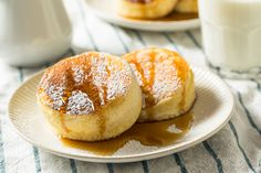 The different ways pancakes are made around the world, including crepes in France and msemmen in Morocco. Fluffy Pancakes, Buttermilk Pancakes, Banana Pancakes, No Dairy Recipes, Sweet Recipes, Snack Recipes, Cooking Recipes, Croissants, Best Pancake Recipe