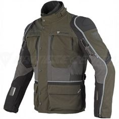 Dedicated to touring riders who crave adventure, in search of dirt roads and boundless spaces such as the bends of mountain passes, and who are not afraid of changing weather conditions, Terén offers great versatility, through its modular construction with removable waterproof D-Dry® lining, detachable thermal padding