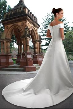 Grand Off-the-shoulder A-line Wedding Dress with Chapel Train