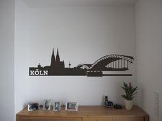 Liebevoll entworfene Skyline von Köln, nicht nur für´s Wohnzimmer.  Die Skyline wird mit Hilfe einer Übertragungsfolie auf fett-, silikon- und stau...