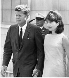 Jacqueline Lee Bouvier Kennedy Onassis (b. July and her husband John Fitzgerald Kennedy (b. May leaving Otis Air Force Base Hospital in Hyannis Port - August 1963 Jacqueline Kennedy Onassis, John Kennedy, Les Kennedy, Jaqueline Kennedy, Ethel Kennedy, Familia Kennedy, John Junior, John Fitzgerald, American Presidents