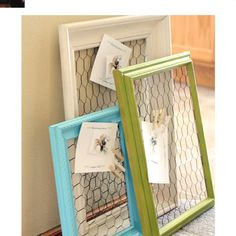 Country Crafts to Make And Sell - Chicken Wire Frame - Easy DIY Home Decor and R. Country Crafts t Chicken Wire Frame, Chicken Wire Crafts, Chicken Fence, Chicken Barn, Craft Projects, Projects To Try, Wood Projects, Craft Tutorials, Simple Projects