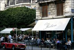 Chez Julien near the Seine