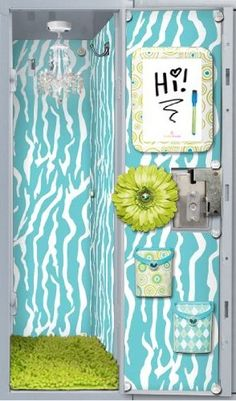 I wish I seen this cute locker when I was in high school!!!!!