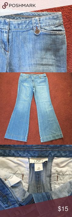 """Ann Taylor wide leg jean True to size. ‼️DONT HAVE MEASURING TAPE AT THE TIME‼️ I'm 5""""1"""" and the length covers my feet. Light wash. Ann Taylor Jeans Flare & Wide Leg"""