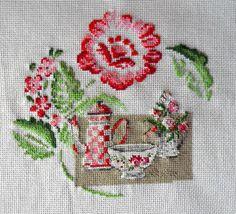broderie point de croix vaisselle de digoin variation rose et vert