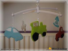 Die Figuren von der Baby-Wäscheleine und der Kinderzimmer-Girlande (von cosy_things) lassen sich leicht und schnell nähen. Am Mobile haben die kleinsten damit total viel Spaß.