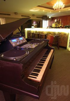 Piano DJ Booth