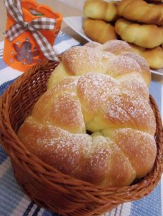 The sweets of Lory: The brioche dough Montersino