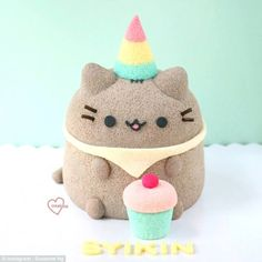 Loving Creations for You: 'Pusheen Cat' Black Sesame Chiffon Cake Cakes To Make, Fancy Cakes, How To Make Cake, Chiffon Cake, Pretty Cakes, Cute Cakes, Pusheen Cakes, Pusheen Birthday, Kawaii Dessert