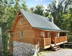 Smoky Bears Creek - Deluxe 2 Bedrooms 2 Baths Sleeps 8 Cabin Rental Located In Pigeon Forge Managed By American Patriot Getaways In The Smoky Mountains.