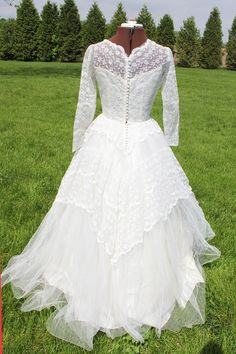 Gorgeous 1950s wedding gown with sequins and by jessiretro on Etsy, $185.00