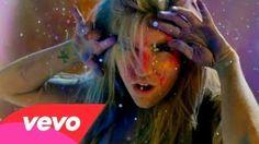 YouTube - Ke$ha-Takie It Off  Komentarz :  Ke$ha Się Troszeczkę Ubrudziła XDD
