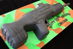 Machine Gun cake for a Call of Duty / Game Truck themed party ...