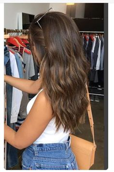 popular brunette balayage hair color ideas 21 ~ my.me popular brunette balayage hair co. Brown Hair Balayage, Brown Blonde Hair, Medium Brown Hair With Highlights, Brown Hair With Lowlights, Natural Brown Hair, Brown Hair Medium Length, Golden Blonde, Light Brown Highlights, Brown Hair From The Back