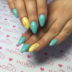 Sicilia + Banana Cocktail Gel Brush + Mirror Effect Syrenka  by Sonia from Madeleine Studio #nails #nail #yellow #mint #foil #mirror #effect #mermaid #syrenka