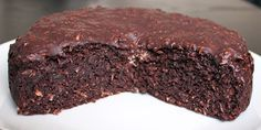 Billedresultat for sund chokoladekage med kokos Healthy Cake, Healthy Baking, Healthy Desserts, Delicious Desserts, Yummy Food, Tortilla Sana, Danish Food, Diabetic Snacks, Almond Cakes