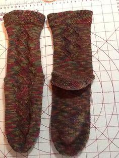 Ravelry: Serpentine Socks ( 6 of 16 for Knitting Socks, Leg Warmers, Ravelry, Parachute Pants, Legs, Fashion, Knit Socks, Moda, Sock Knitting