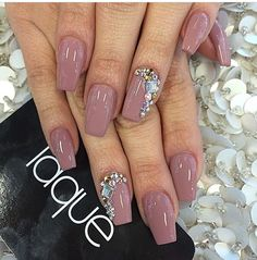 Neutral diamond nails