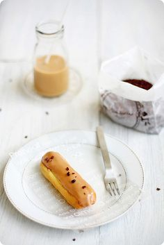 Coffee Eclair..sounds good..but why does it look like a hot dog in a bun..kinda looks gross....