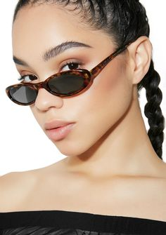 a5d3ba0124fa Rad and Refined Coco It Girl Sunglasses Girl With Sunglasses