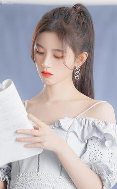 Sexy Asian Girls, Beautiful Asian Girls, Alice Kim, China Girl, Cute Korean Girl, Korean Actresses, Beautiful Girl Image, Poses, Ulzzang Girl