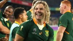 South Africa's scrum-half Faf de Klerk is the man looking to bring down England, so how do Eddie Jones's side stop him? South Africa Rugby, News South Africa, International Rugby, England International, Sports Website, World Cup Winners, World Cup Final, Rugby World Cup, Second World