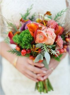 Excellent Tropical Wedding Bouquet Inspiration For More Fresh Look https://bridalore.com/2017/08/01/tropical-wedding-bouquet-inspiration-for-more-fresh-look/