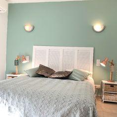 Chambre double coté montagne Beautiful Villas, Corsica, Relax, Rhodes, Bed, Furniture, Home Decor, Sweet Dreams, White Bedrooms