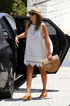 Jessica Alba Is The Picture Perfect Vision Of Summertime Style