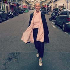 """My favorite phrase in my shop is """"Every girl needs some pink cashmere"""". raincoat sneakers cropped Jean In raw denim girly pink pashmina with cashmere crewneck with pink silk blouse. A woman needs to always feel like a girl! Mature Fashion, Fashion Over 50, Fashion Looks, Raincoats For Women, Jackets For Women, Yellow Raincoat, Advanced Style, Trends 2018, White Hair"""