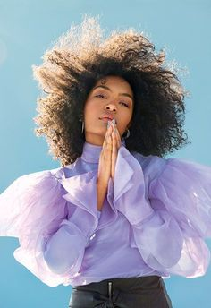 Gurls Talk founder and model Adwoa Aboah chats exclusively to Black-ish actress Yara Shahidi for the new issue of ASOS magazine. Editorial Photography, Portrait Photography, Fashion Photography, Photography Tips, Landscape Photography, Curly Hair Styles, Mode Editorials, How To Pose, Fashion Beauty