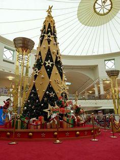 Deira City Center Christmas Tree, Dubai, United Arab Emirates