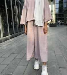Muslim Fashion 499899627388304160 - Source by ikhlastriki Modest Fashion Hijab, Modern Hijab Fashion, Street Hijab Fashion, Modesty Fashion, Casual Hijab Outfit, Hijab Fashion Inspiration, Abaya Fashion, Muslim Fashion, Modest Outfits