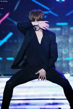 •161018 BTS WingsEra || KBS1 'Open Concert' | #JUNGKOOK