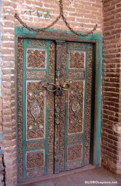 old door in Abianeh (Persia) & Ornate door with male and female knockers | Iran Doors and ... Pezcame.Com