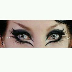 Snow leopard eyes very cool #Makeup #Trusper #Tip