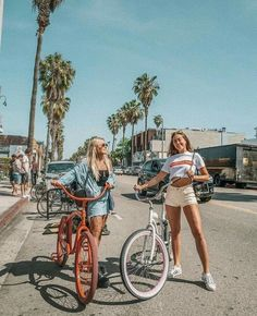 girls day summer adventures bike riding with best friend downtown adventures summer fun women's fashion fashionable friends girl gang Cute Friend Pictures, Cute Photos, Bff Pics, Teen Pics, Story Instagram, Photo Instagram, Tumblr Photography Instagram, Instagram Summer, Disney Instagram