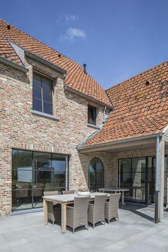 Realizations Architect luxury homes Architectural firm Gruwez Oudenaarde Ghent House Roof, House Goals, Luxury Real Estate, Home Fashion, Exterior Design, Future House, Modern Farmhouse, Luxury Homes, Luxury Apartments
