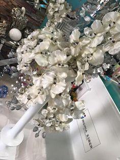 jarrones de suelo decorados en color blanco en